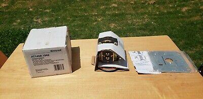 Brand New In Box Honeywell At140a 1042 Transformer 24vac 40 Va 120240 V