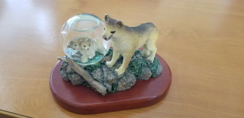 LIPCO. wolf and it babies.  **COLLECTIBLE**.