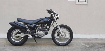 Deus Ex Machina Cafe Style Racer (Skyteam) 250cc