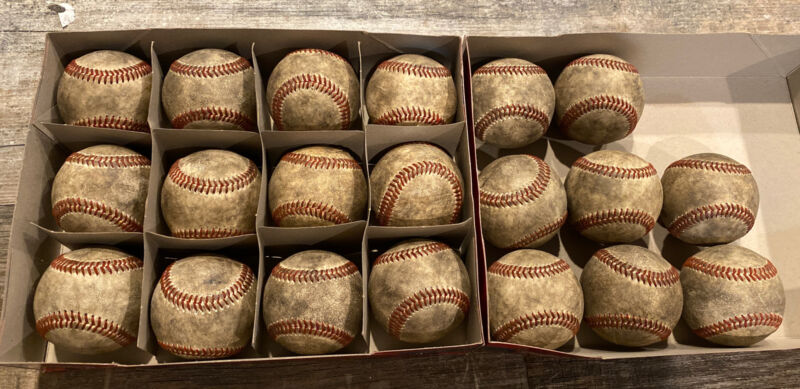 Used Baseballs  , Leather covers , Very Good Condition - lot of 20 Mixed Brands.