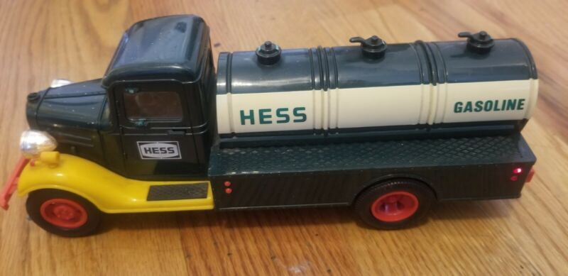 """""""First Hess Truck"""" Vintage 1985 Toy Bank Used Condition"""