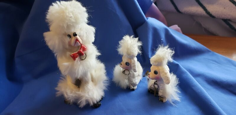 Adorable Vintage  Large Ceramic Poodle Figurine With Fur and 2 puppies Japan