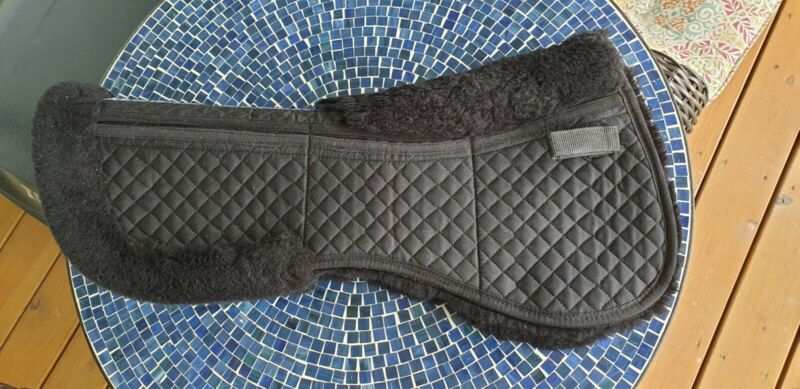 Total Saddle Fit Wither Relief Half Pad - Black Sheepskin