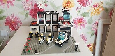 Lego 6386 Police Command Base - Vintage City