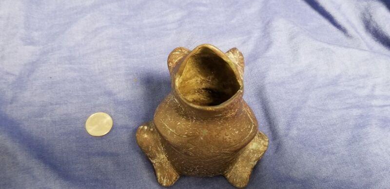 Antique cast bronze Frog Ashtray