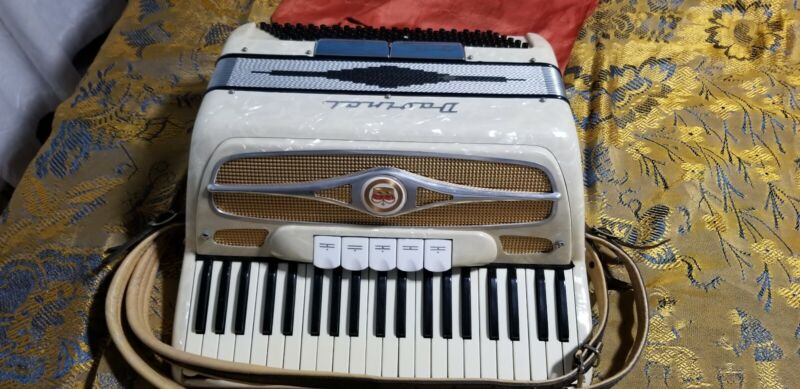 DaVinci  41120 LM Piano Accordion White mother-of-pearl excellent condition