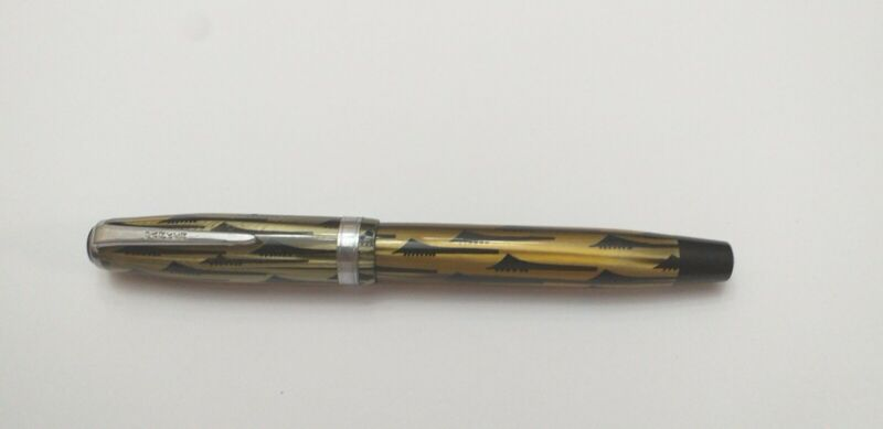 Vintage Parker Thooth Brush fountain pen. Vacuum pump filling