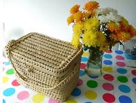 Wicker basket with Lid & handles