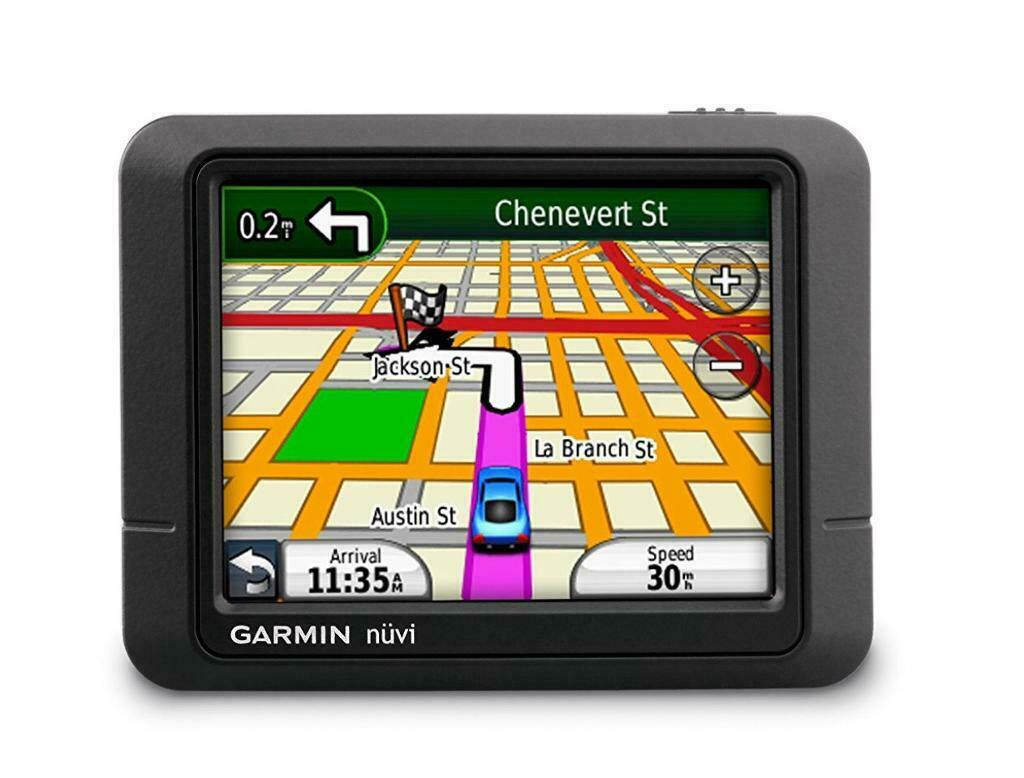 TOMTOM GARMIN NUVI SATELLITE FOR SALE WITH CHARGER AND WINDSCREEN  MOUNT,PICK UP MY HOME ADDRESS  | in Leicester, Leicestershire | Gumtree