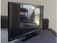 Technika 32 Full HD 1080p slim LED TV / Television (comes with box and built-in FreeView)