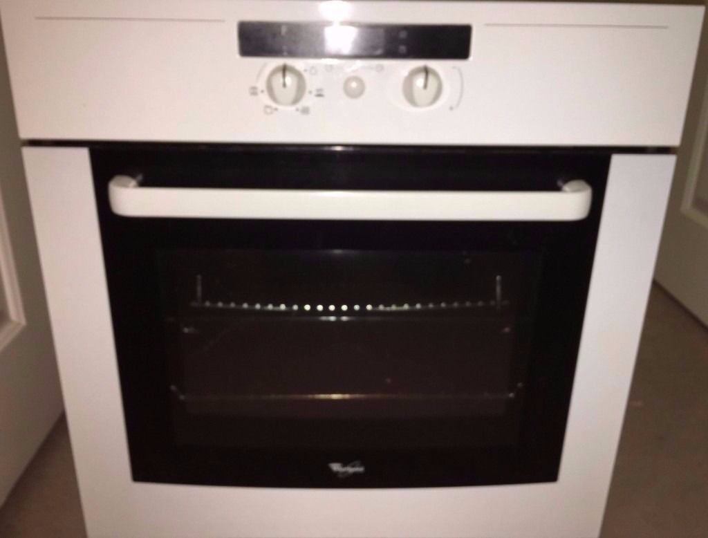 Whirlpool 60cm Electric Hob With Single Fan Oven And Grill