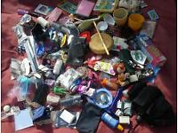 6 Joblot Job lot various items for personal and family use and bric-a-brac for boot sales.