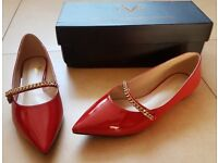 "VERSACE 19-69 ""EVELINA"" RED FLATS WITH GOLD CHAIN"