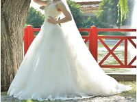 Beatiful S size wedding dress for sale