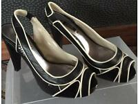 Lovely NEXT black & cream Shoes Size 4