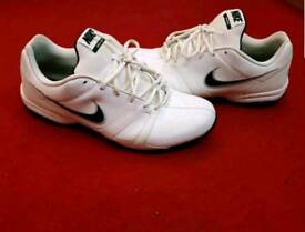 Men trainers size 11