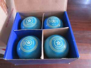 Taylor Hector Aqua Set of Lawn Bowls - size 3 Lynwood Canning Area Preview