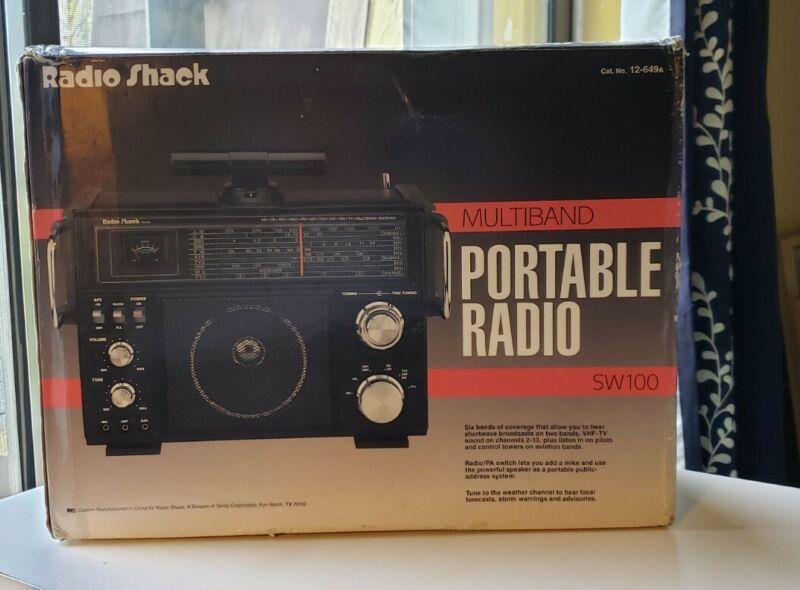 Vintage Radio Shack Portable Multi channel Radio SW100
