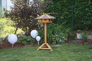 Vogelhaus PIEPMATZ Vogelvilla Futterhaus Vogelhäuschen mit Ständer Vogelhaus
