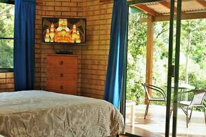 2 bedrooms Fully Furnished with Private Bathroom $160 & $100 each Woodwark Whitsundays Area Preview