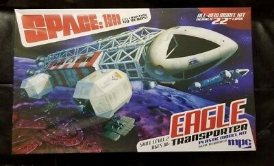 "MCP 1/48 Space 1999: Eagle Transporter (22"" Long)  MCP825"