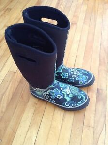 lady rain boots_almost new_very comfortable_ just 10$_size 9