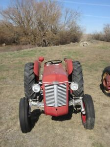 **COLLECTIBLE TRACTOR AUCTION**