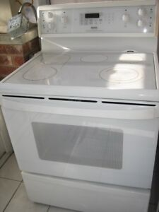 Kenmore ceramic top stove, convection oven, $280Fully Functiona