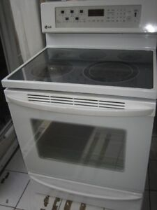LG ceramic top stove, convection oven, self clean, $280Warming