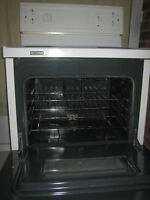 WhiteWestinghouse stove, coil burner,$120 working perfect, clean