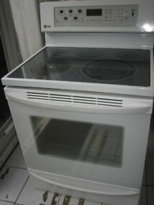 LG ceramic top stove, convection oven, self clean, $300Warming