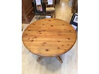 Solid pine extending drum top table from Westminster Pine