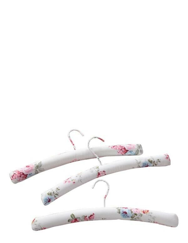 Victorian Trading Co Set of 3 Cotton Padded Rose Floral Print Hangers