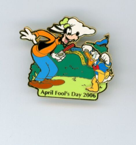 Disney Goofy Plays April Fools Can of Snakes Joke on Angry Donald Duck LE Pin