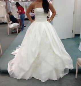 VERA WANG - WEDDING GOWN