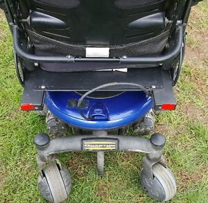 Quantum 600 Wheel Chair For Sale - Price Drop!  Save $1600.00! London Ontario image 5