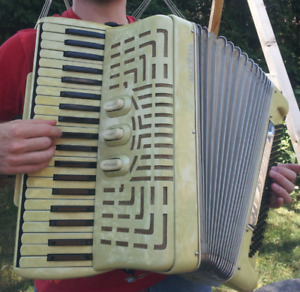 Accordion // Accordéon