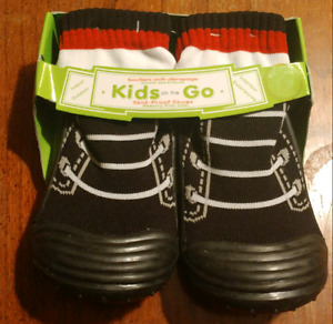 Tickle-Toes slid proof shoe sz8 or 24 months Brand New!