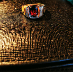 10k gold men's ring with diamond and red garnite Stone