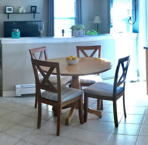 Small solid kitchen table with 4 chairs