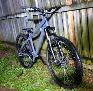 Mongoose Fireball Dirt Jumper / Freeride