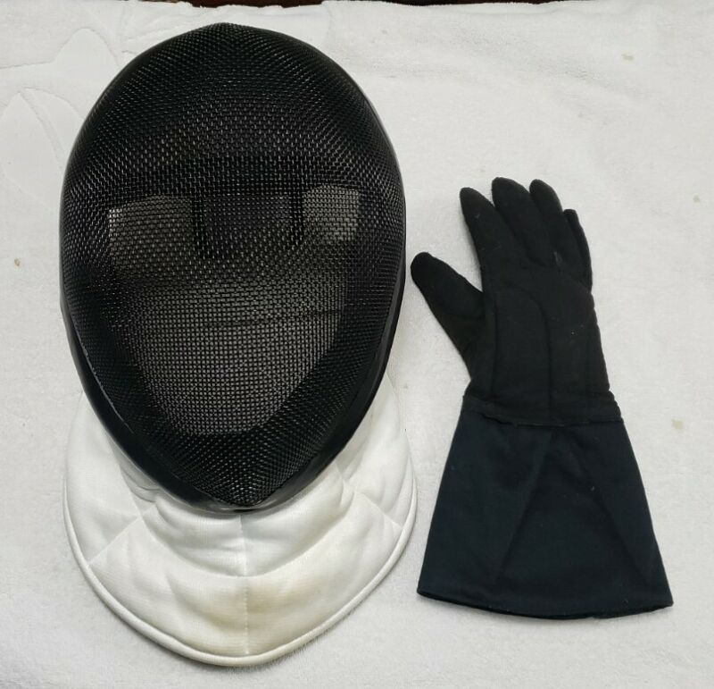 2009 Absolute Fencing Gear Mask Helmet Size Large w/Right Glove Pre-Owned