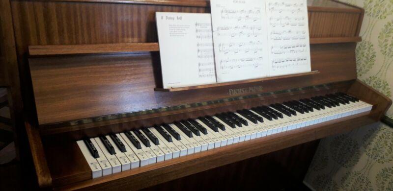 🎹 Fuchs & Möhr, Small Modern Compact 1980s Piano 🎹