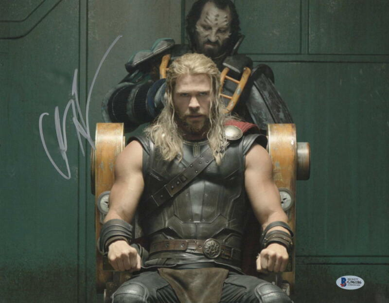 CHRIS HEMSWORTH THOR SIGNED 11X14 PHOTO THE AVENGERS AUTOGRAPH BECKETT COA W