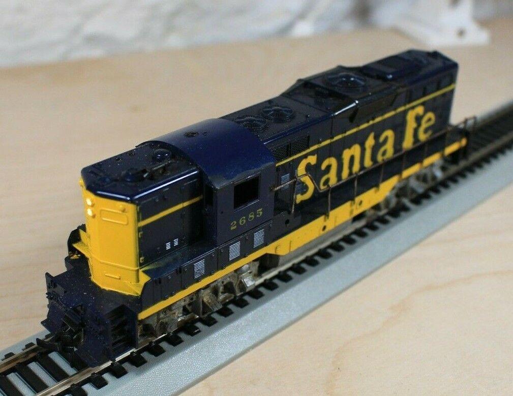 Athearn HO Scale Santa Fe 2685 GP-9 Locomotive 3156 HO - $28.00