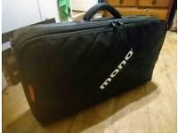 Mono m80 pedal case and pedalboard