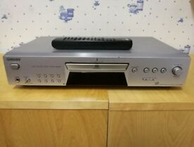 Sony SCDXE680 CD Player - Silver