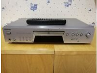 Sony SCDXE680 CD Player - Silver