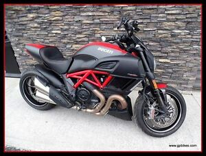 2015 Ducati Diavel Carbon Red -