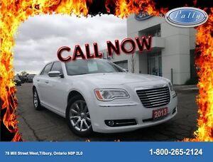 2013 Chrysler 300 Moonroof, Leather, Nav!!!